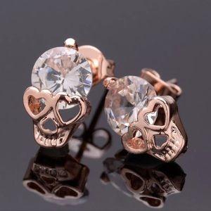 New crystal diamond skull pierced earrings